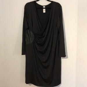 Dresses & Skirts - Wrap style dress